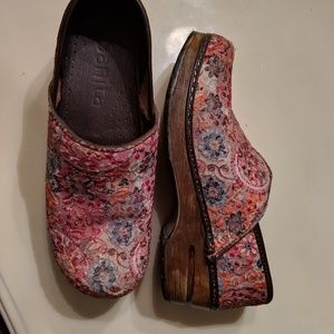 Shoes - Sanita tapestry clogs, size 38